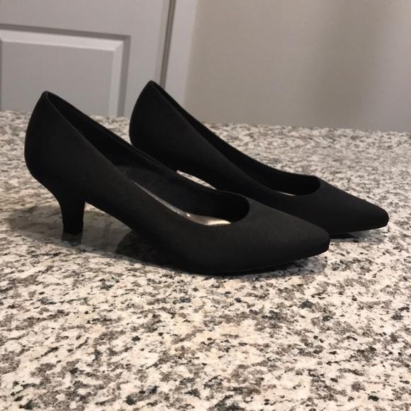 2798556bd33b Abella Shoes - Abella black kitten heel! Very cute!